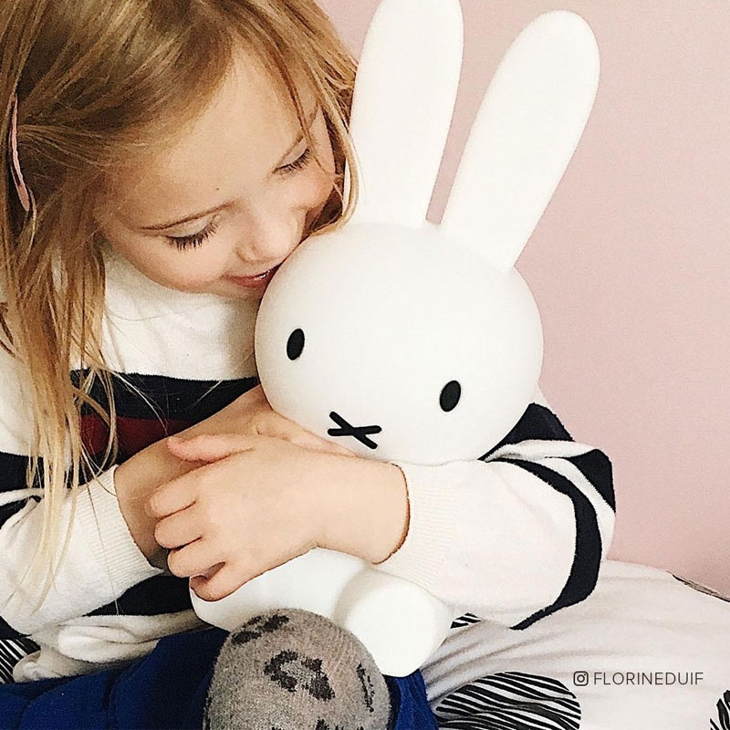 veilleuse miffy free plafonier lapin rve de miffy with. Black Bedroom Furniture Sets. Home Design Ideas