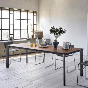 BLADE XL - table extensible frêne noir et plateau noyer 1m40 à 2m90