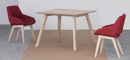 Tables à manger carrées